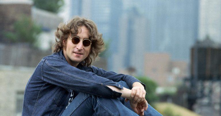 La casa inglesa H&H subastará moto de John Lennon